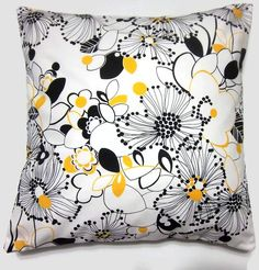 floral pillow cover - LynnesThisandThat