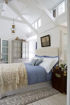 love the details in this beach bedroom