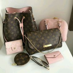 😍💗👜👝💝🐩 🔥 …: The Louis Vuitton label was founded by Vuitton in 1854 on Rue Neuve des Capucines in Paris, France. Louis Vuitton had observed that the HJ Cave Osilite trunk could be easily stacked. In Vuitton introduced his. Fall Handbags, Handbags On Sale, Black Handbags, Luxury Handbags, Louis Vuitton Handbags, Fashion Handbags, Purses And Handbags, Fashion Bags, Cheap Handbags