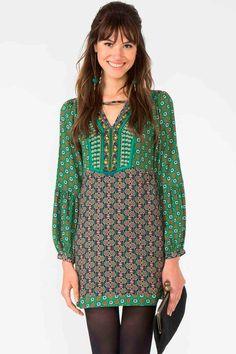 http://www.babadotop.com.br/vestido-farm-essaouira-bordado-237333/p