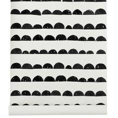 Ferm Livingin Half Moon -tapettia somistaa sympaattinen grafiikka, joka muodostuu puolikuiden muotoisista kuvioista. Kuosi on painettu WallSmart-kuitutapetille, jonka tapetointi on entistä helpompaa ja nopeampaa.