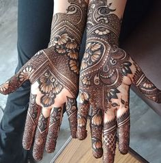Pick a design and leave it on our Mehendi Expert. Plan your wedding with us now at Bookeventz! Wedding Henna Designs, Khafif Mehndi Design, Latest Arabic Mehndi Designs, Henna Tattoo Designs Arm, Full Hand Mehndi Designs, Mehndi Designs 2018, Mehndi Designs For Beginners, Modern Mehndi Designs, Mehndi Designs For Girls