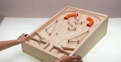 Como hacer un Fliper / How to make a DIY Pinball Woodworking Toys, Woodworking Projects, Projects For Kids, Wood Projects, Wood Crafts, Diy And Crafts, Arcade, Wood Games, Tabletop Games