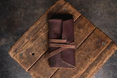 Rustic Leather Pipe Roll for Tobacco Smoking – Craft and Lore Cigar Travel Case, Everyday Carry Items, New England Style, Artist Brush, Second Best, Card Wallet, Tan Leather, Tobacco Smoking, Rolls