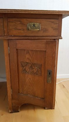 Antikk skrivebord | FINN.no Art Deco, Furniture, Home Decor, Decoration Home, Room Decor, Home Furnishings, Arredamento, Interior Decorating