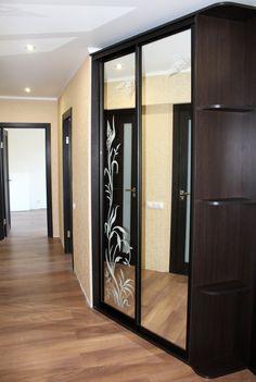 Some nice mirrored closet doors. #framelessglass #mirroredcloset #mirrordoor #mirror #phoenix #mirrorwardrobe