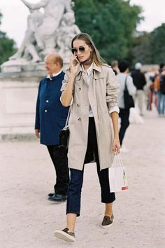 Vanessa Jackman - French model Josephine Le Tutour - classic beige trench + white button-down shirt + silk scarf + skinny jeans + leopard sneakers. Fashion Me Now, Fashion Week Paris, Look Fashion, Net Fashion, Fashion Spring, Autumn Fashion, Jeanne Damas, Trenchcoat Style, French Girl Style