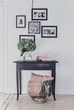 My lovely Hortensia! My lovely Hortensia! Studio Interior, Interior Design, Decoration Entree, Teen Decor, Bedroom Decor, Wall Decor, Build Your Own House, Decorating Coffee Tables, Minimalist Bedroom