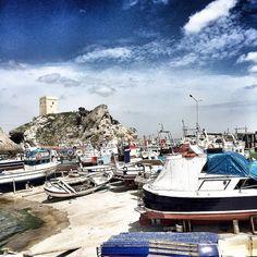 #şileliman #şilekalesi #sile #şile #istanbul #turkey #turkeystagram #türkiye #monochrome  #monochromatic #instagramers #instagramhub #ig_daily #iphoneonly #travelgram #instabest #instagreat #instagallery #instagramhub #instaphotography #picoftheday #InstaSize #ig_mood #instacool #instagood #instalovers #iphoneonly #beautifuldestinations #ig_worldclub  #instamood #hayatandanibarettir #landscape by tubakrml