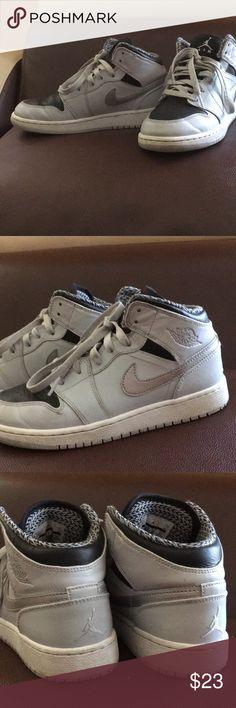 b14f799e4ee Boys Retro Air Jordans Only worn 3 times in EUC