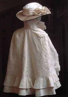 Evening cloak, 1900s Scanned fromRussian Elegance