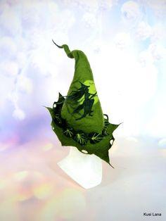 Green Witch Felt Hat Strega Shaman Headpiece Wizard Warlock Festival Woodland Fantasy Cosplay Costume Druid Elf Elven Pagan Goth Larp Pixie Elf Cosplay, Elf Costume, Cosplay Costumes, Wiccan, Pagan, Fantasy Witch, Thistle Flower, Halloween Hats, Larp