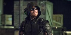 How Oliver Needs To Change In Arrow Season 6, According To Stephen Amell #FansnStars