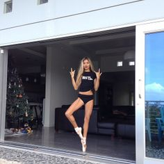 pointe lessons at home #msfts #leftrightleftup #guam #nofilter #piamia - @princesspiamia- #webstagram
