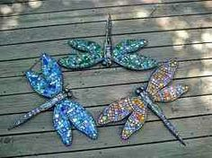ideas for mosaic dragonfly Mosaic Garden Art, Mosaic Tile Art, Mosaic Crafts, Mosaic Projects, Mosaic Glass, Glass Art, Mosaic Ideas, Mosaic Artwork, Dragonfly Stained Glass