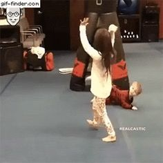This boy will be a big name on the olympics when he's older. – Gif