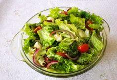 Bazsalikomos saláta   NOSALTY Lettuce, Guacamole, Sprouts, Mozzarella, Salad Recipes, Cabbage, Grilling, Salads, Food And Drink