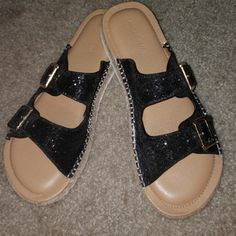 6c24a00c63e0 Shop Women s Lane Bryant Black Gold size 11 Sandals at a discounted price  at Poshmark.
