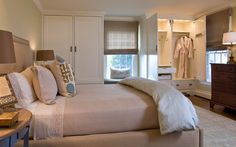 Transitional style bed room by Sharon Kleinman. Photographed by Gwin Hunt
