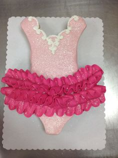 Ballet tutu cupcake cake made with 24 cupcakes and buttercream icing by Laurie Grissom