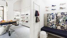 VIAJIYU's first and only boutique located in the heart of Florence, Italy.   https://viajiyu.com/