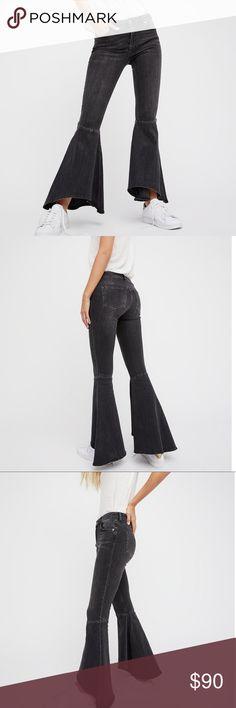 Free People Ruffle Denim Flare Jeans Free People Ruffle Denim Flare jeans in black, new Free People Jeans Flare & Wide Leg