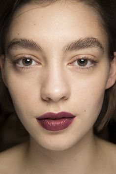 Burberry Spring 2016 Ready-to-Wear Fashion Show Beauty