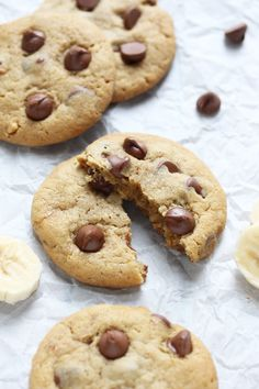 Crisp and chewy peanut butter and banana cookies. Healthy Cake, Healthy Work Snacks, Healthy Cookies, Healthy Eating Recipes, Healthy Baking, Healthy Treats, Quick And Easy Breakfast, Breakfast For Kids, Peanut Butter Banana Cookies