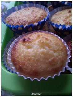 Portuguese Desserts, Portuguese Recipes, Portuguese Food, Malva Pudding, Mini Desserts, Sweets Recipes, Coco, No Bake Cake, Donuts