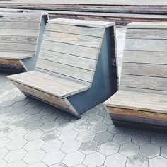 Site furnishings at Hunter's Point South Waterfront, Queens, NYC by Thomas Balsley Associates. Visit the slowottawa.ca boards >> http://www.pinterest.com/slowottawa/
