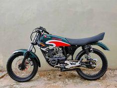 Yamaha Motorcycles, Cars And Motorcycles, Motorcycle Engine, Honda Cb, Kawasaki Ninja, Automotive Design, Custom Bikes, Motorbikes, Classic Cars
