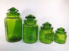 Pristine L.E. Smith Emerald Green Glass Canister Apothecary Jars Set In  Pottery U0026