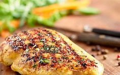 Grilované kuracie prsia v jogurtovej marináde Grilling Recipes, Cooking Recipes, Salmon Burgers, Pesto, Curry, Chicken, Ethnic Recipes, Samos, Hobbs