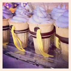 Tangled/Rapunzel cupcakes