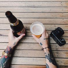 Inspire and Desire Beer Photos, Pizza And Beer, Mood And Tone, Beer Packaging, T Art, Photography Camera, Product Photography, Beer Lovers, Craft Beer