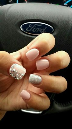 Don't worry if you are a beginner and have no idea about the nail designs. These pink nail art designs for beginners will help you get ready for your date Get Nails, Prom Nails, Fancy Nails, Wedding Nails, Sparkly Nails, Classy Nails, Chic Nails, Glitter Nails, Pink Sparkles