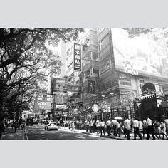 My favourite part of Hongkong. Tsim Sha Tsui.  #street_photography #street_captures #streetlife #street_photo_club #documentary #blackandwhite #blackandwhite_street #bnw_society #bnw_life #travel #travelgram #asia #everybody_street #china #hongkong #tsimshatsui #everydayasia #sommer #instamood #instagood #people #wanderlust by terismile247