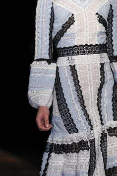 See detail photos for Erdem Spring 2016 Ready-to-Wear collection.