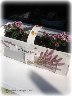 Znalezione obrazy dla zapytania kobiałki na kwiaty