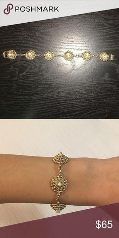 Kendra Scott bracelet Kendra Scott white onyx and gold link bracelet, only worn a few times! Kendra Scott Jewelry Bracelets