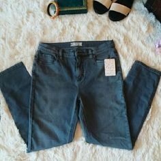 "NEW! FREE PEOPLE HIGH-WAIST SKINNY JEANS Stylishly comfy high-rise jeans from Free People in Sofiaz wash. Size 29, this is brand new with tags.  26 1/2"" inseam 12"" leg opening 11"" front rise 14"" back rise Zip fly with button closure Five-pocket style 53% cotton, 23% rayon, 22% polyester, 2% spandex.  *As always, feel free to make me a reasonable offer :)  *Bundle to save on shipping and get 15%, plus, get my spring freebie! Free People Jeans Skinny"