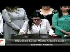 Valiente Dip @LuisaAlcalde al No ser Intimidada siendo Rodeada por PRIIS...
