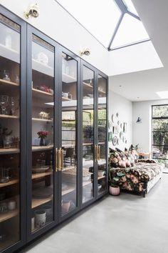 Glass Cabinet Organization Open Shelving Ideas For 2019 Küchen Design, House Design, Glass Shelves Kitchen, Glass Cabinets, Open Cabinets, Cabinets In Dining Room, Dining Rooms, Kitchen Display Cabinet, Kitchen Pantry Cupboard