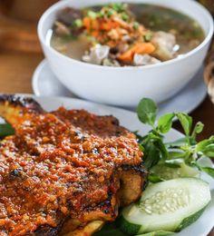 Ayam Bakar Bumbu Rujak ala Warung Apung Rahmawati   http://www.warungapung.com