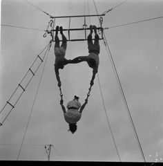Vintage Photos of Trapeze Artists LIFE · Loomis Dean
