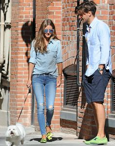 Olivia Palermo and Johannes Huebl prove they're the perfect couple in matching denim outfits and mint coloured shoes Estilo Olivia Palermo, Look Olivia Palermo, Olivia Palermo Lookbook, Couple Outfits, Casual Outfits, Johannes Huebl, Stylish Couple, Double Denim, Fashion Couple