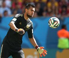 #Romero rilancia il pallone, gran #Mondiale il suo.  #Mondiali2014 #Brasile2014