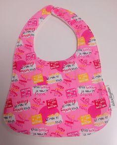 Babero Baby. Visita nuestra tienda online para ver más baberos molones: http://dulcegateo.esy.es