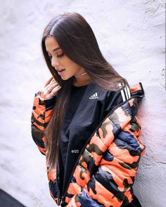 It's fake but looks cute Ariana Grande Images, Ariana Grande Cute, Ariana Grande Outfits, Ariana Grande Fotos, Ariana Grande Wallpaper, Dangerous Woman, Aesthetic Girl, Celebs, Celebrities