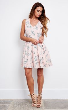 Turn heads in this summer dress, feel flawless.
